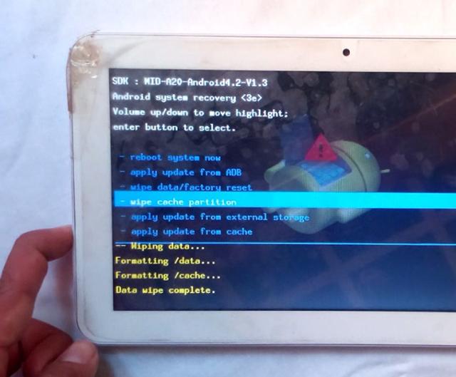 Cómo restablecer una tablet TechPad C1081HD